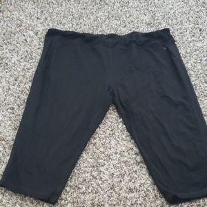 🎀4/$25.🎀 Black capri  Size XXL